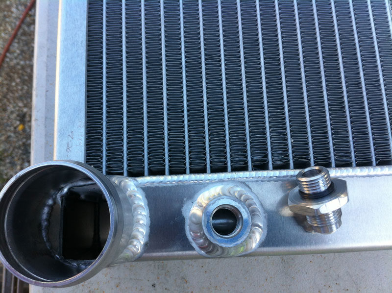 Dammit    brass oil cooler fitting on radiator doesn't fit